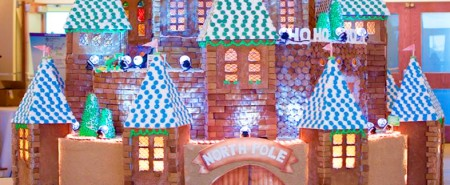 gingerbread castle 2016 cropped